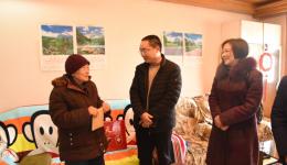瀘州市婦幼保健計劃生育服務中心 班子領導走訪慰問離休、困難老黨員同志